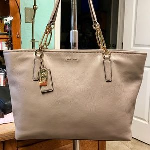 COACH MADISON PEBBLED LEATHER EAST WEST TOTE BAG